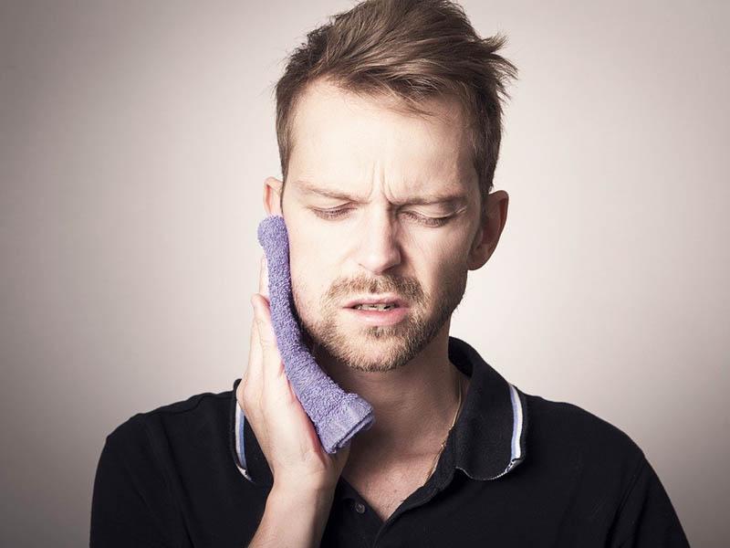 болка в челюстта
