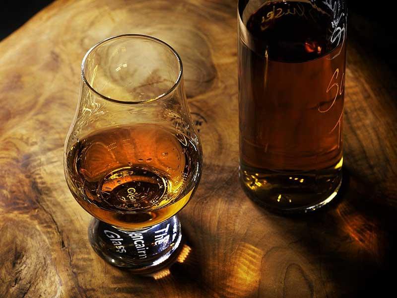 алкохолен делир